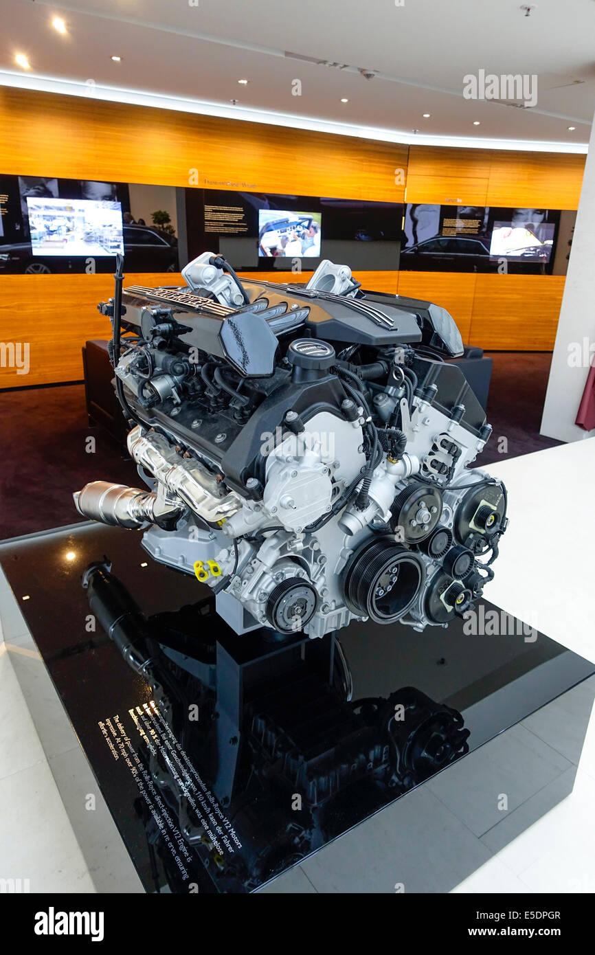 100 ideas Bmw 12 Cylinder Engine on wwwfhetchus