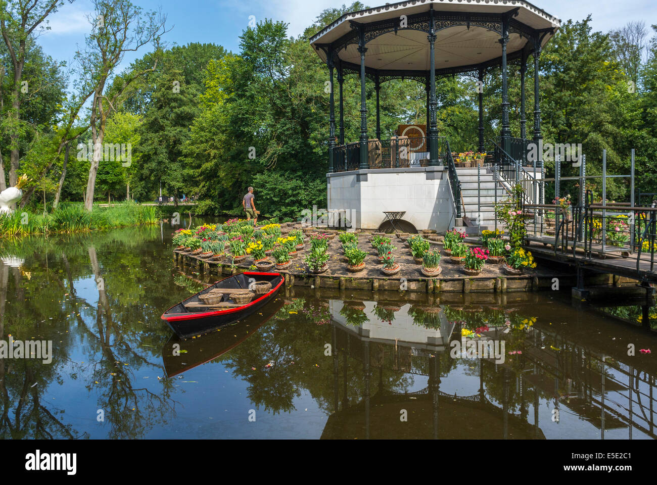 Amsterdam, Holland, Tulip Flower Garden On Pond Island In Vondel Park  (Central Park Amstellodamois