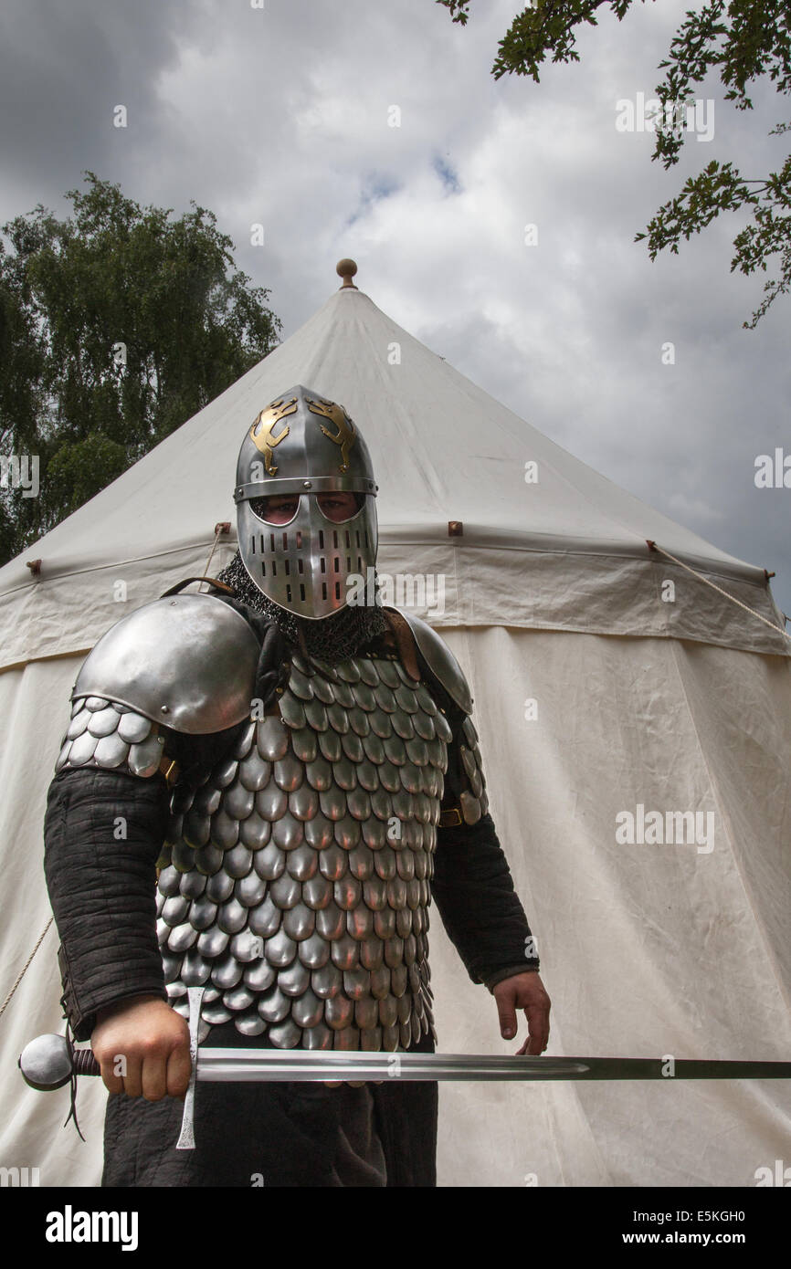 Beeston castle in cheshire england historia normannis a 12th century early armoured medieval reenactment