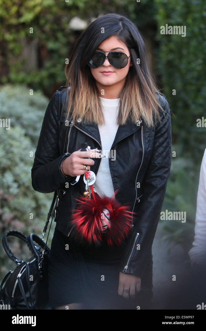 Kylie Jenner leaving the Andy Le Compte Salon with a new hair ...