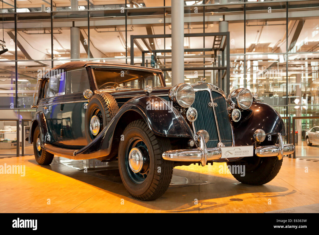 antique car horch 851 at the transparent factory of volkswagen in stock photo 72600077 alamy. Black Bedroom Furniture Sets. Home Design Ideas