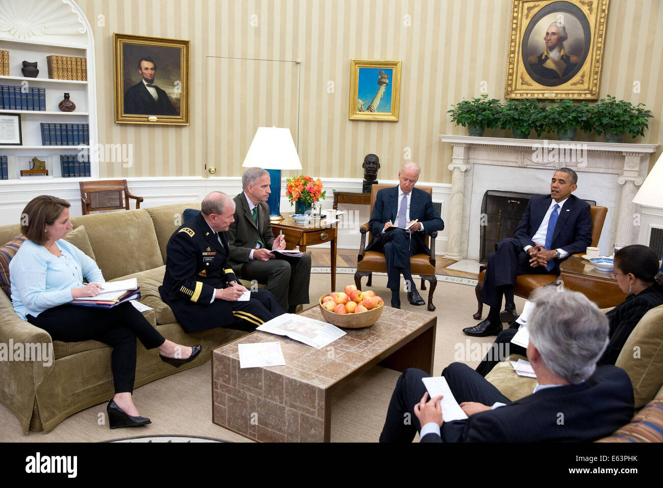 obama oval office decor first day obama oval office decor president barack convenes an meeting with his national oval office coffee table good empty excellent living