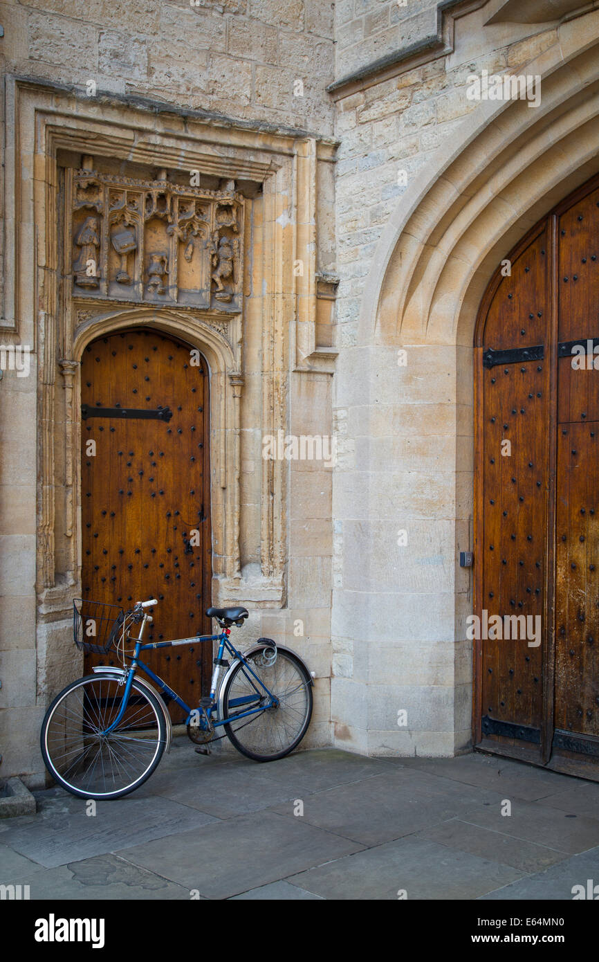 Bicycle parked in front of old wooden doors Oxford University Oxfordshire England & Bicycle parked in front of old wooden doors Oxford University ... pezcame.com