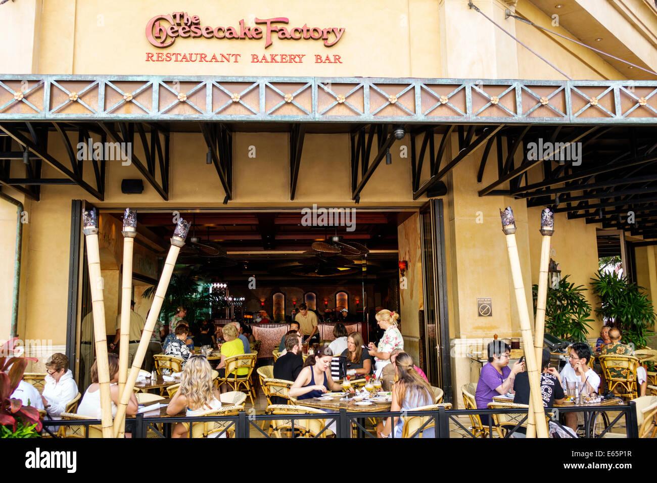 Cafes Waikiki Beach