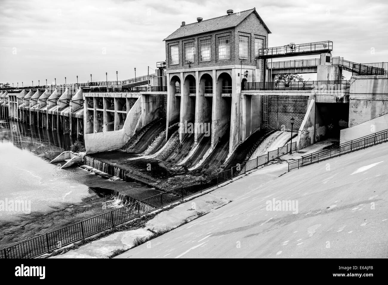 Lake overholser dam finished in 1918 built to impound the north lake overholser dam finished in 1918 built to impound the north canadian river and supply oklahoma city oklahoma usa sciox Image collections