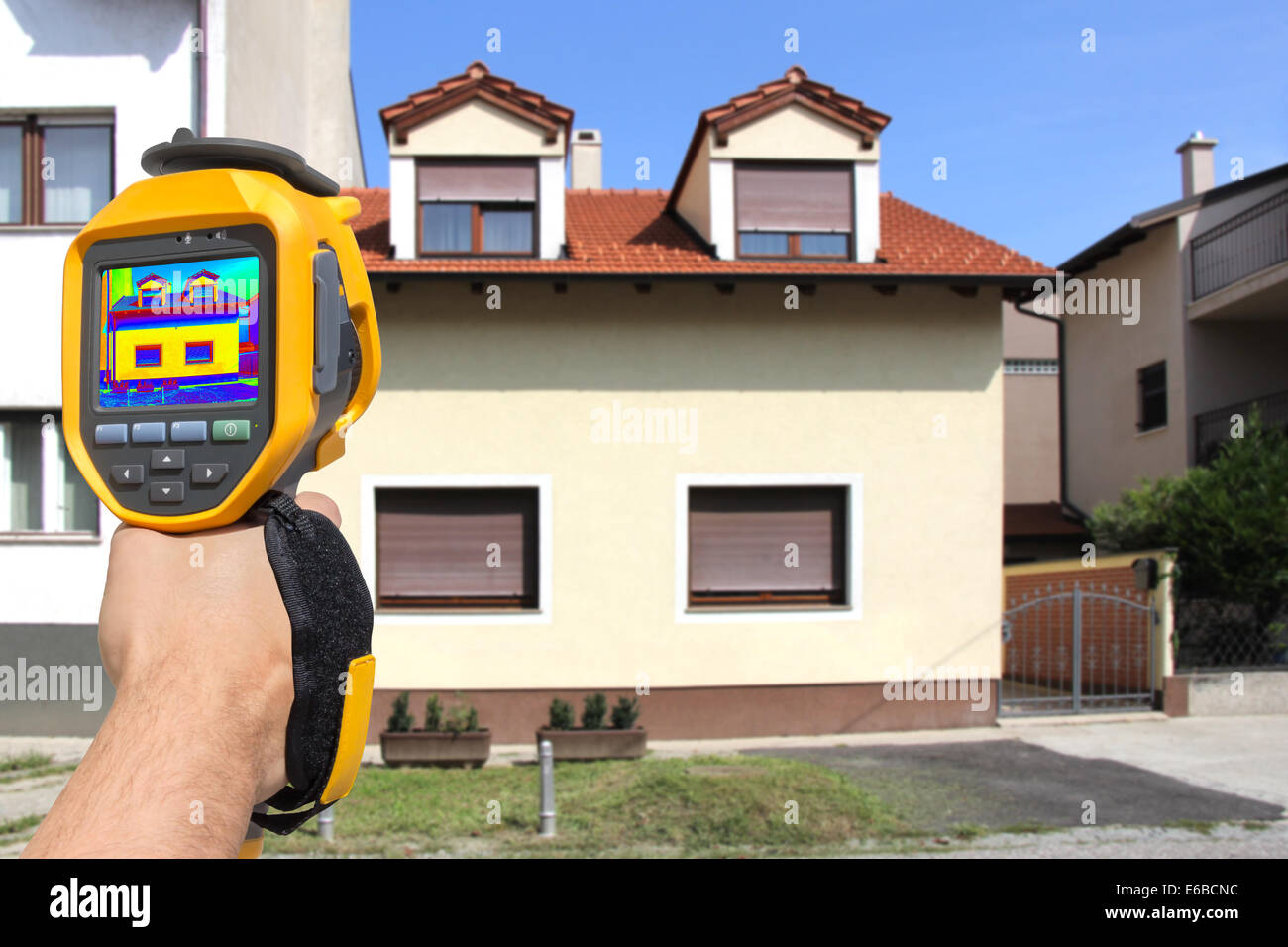 Recording Heat Loss At The House With Infrared Thermal