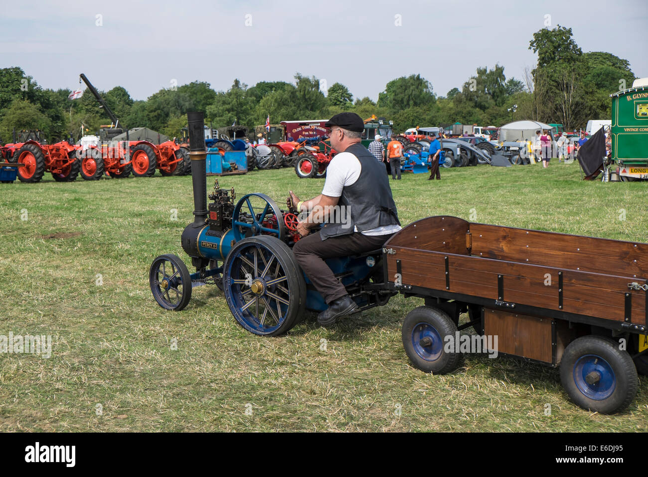 miniature-burrell-steam-traction-engine-