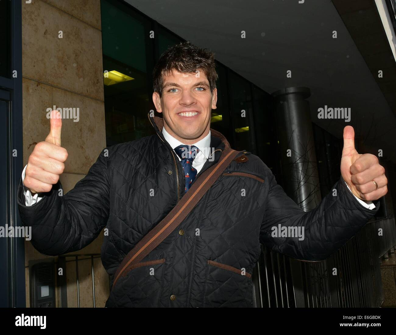 Former miss world rosanna davison irish rugby player donncha former miss world rosanna davison irish rugby player donncha ocallaghan at today fm for the ray darcy show featuring donncha ocallaghan where thecheapjerseys Images
