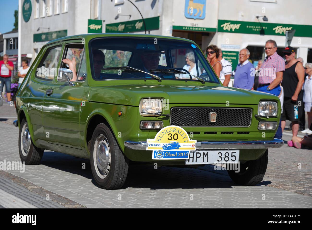 Fiat fiat 127 : Fiat 127 (1975) in oldtimer car rally Stock Photo: 72899903 - Alamy