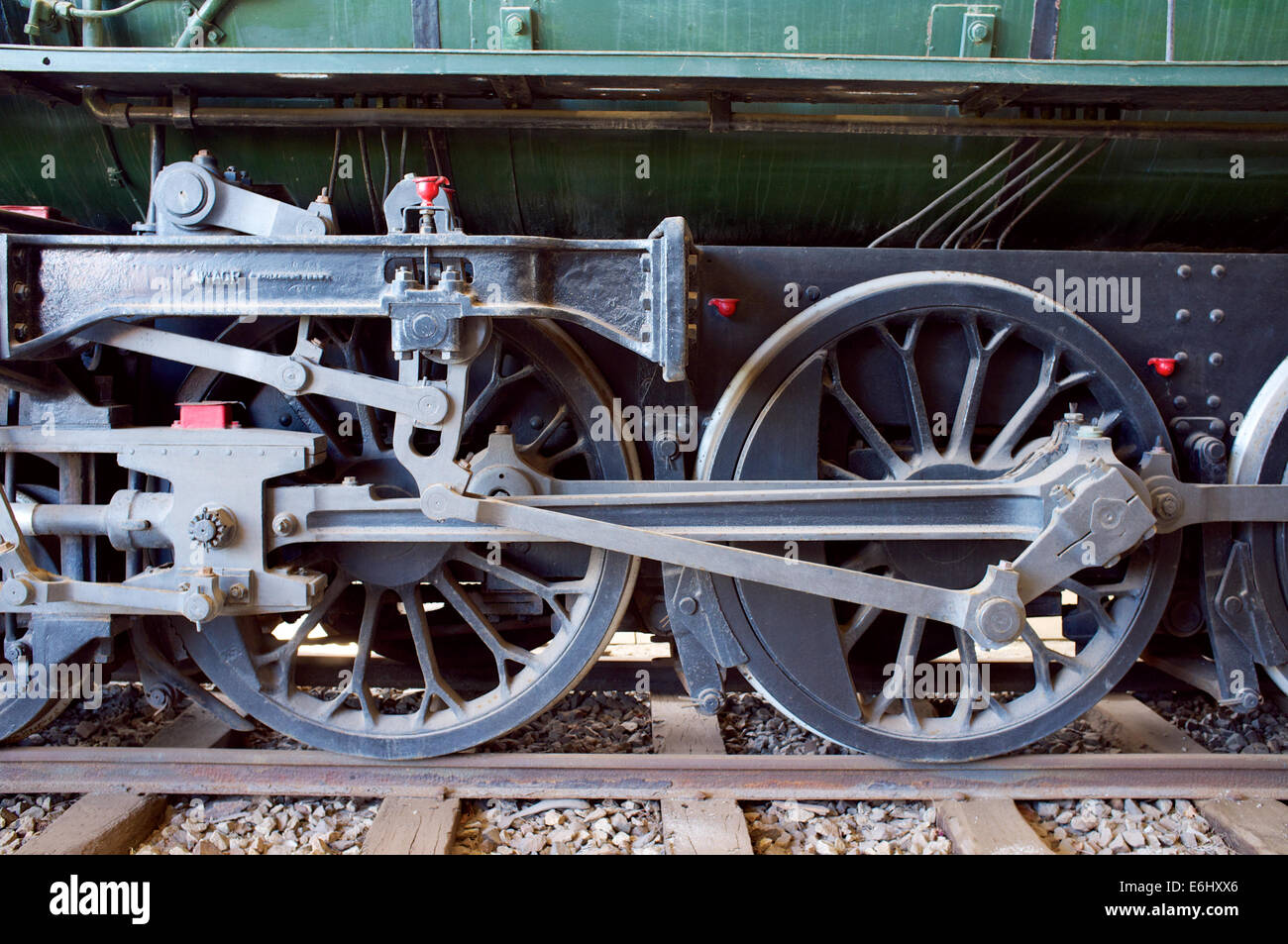Steam Engine Wheel Driving : The driving wheels of v largest steam