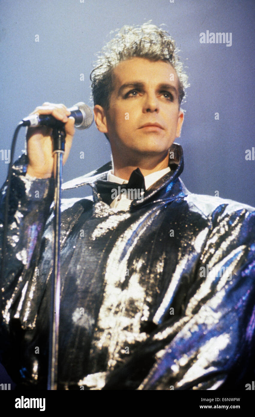 pet shop boys uk pop duo with neil tennant about 1989