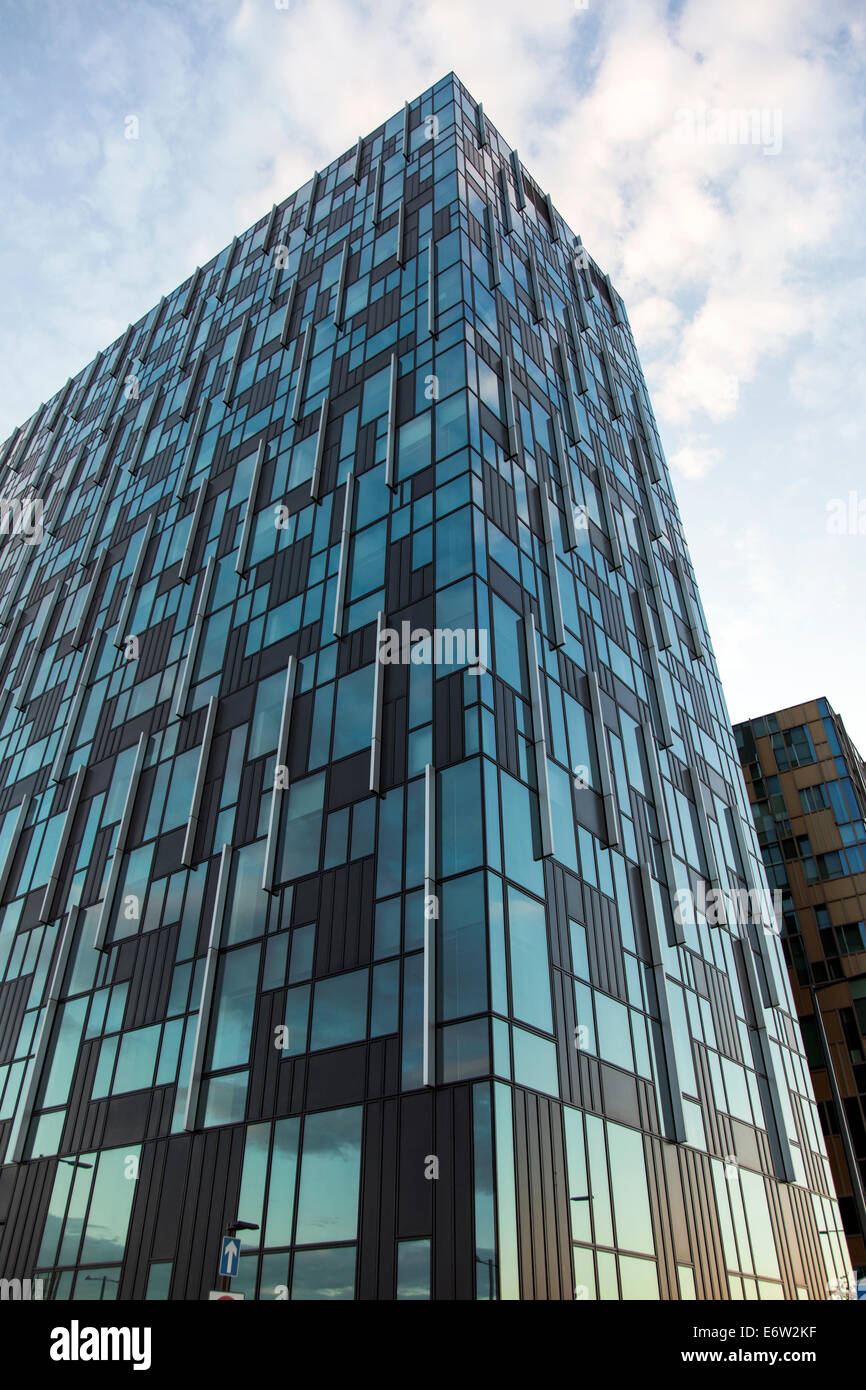 contemporary office building. Contemporary Office Building - 6 Mitre Passage In Greenwich Peninsula, London D