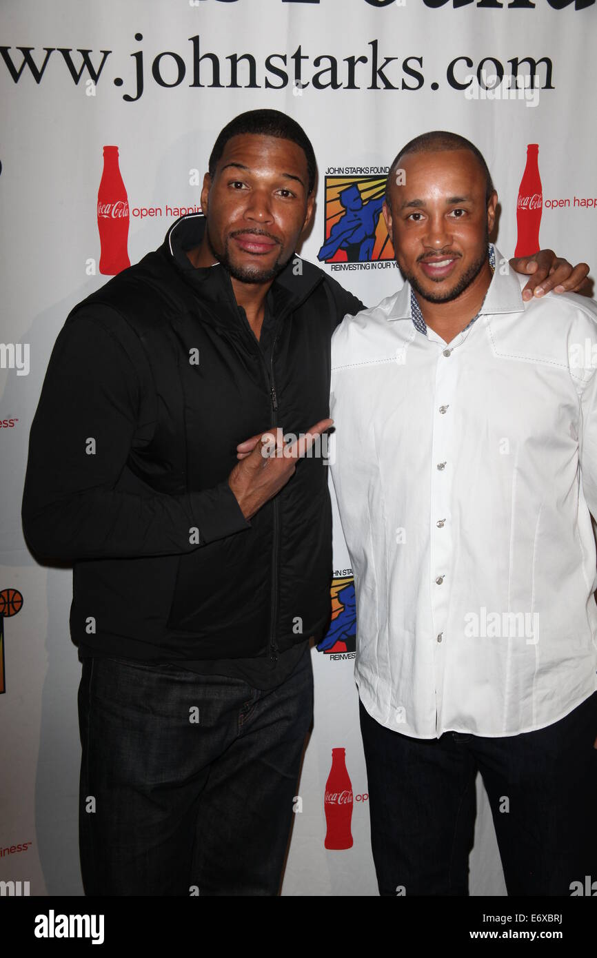 The John Starks Foundation hosts annual celebrity Bowling