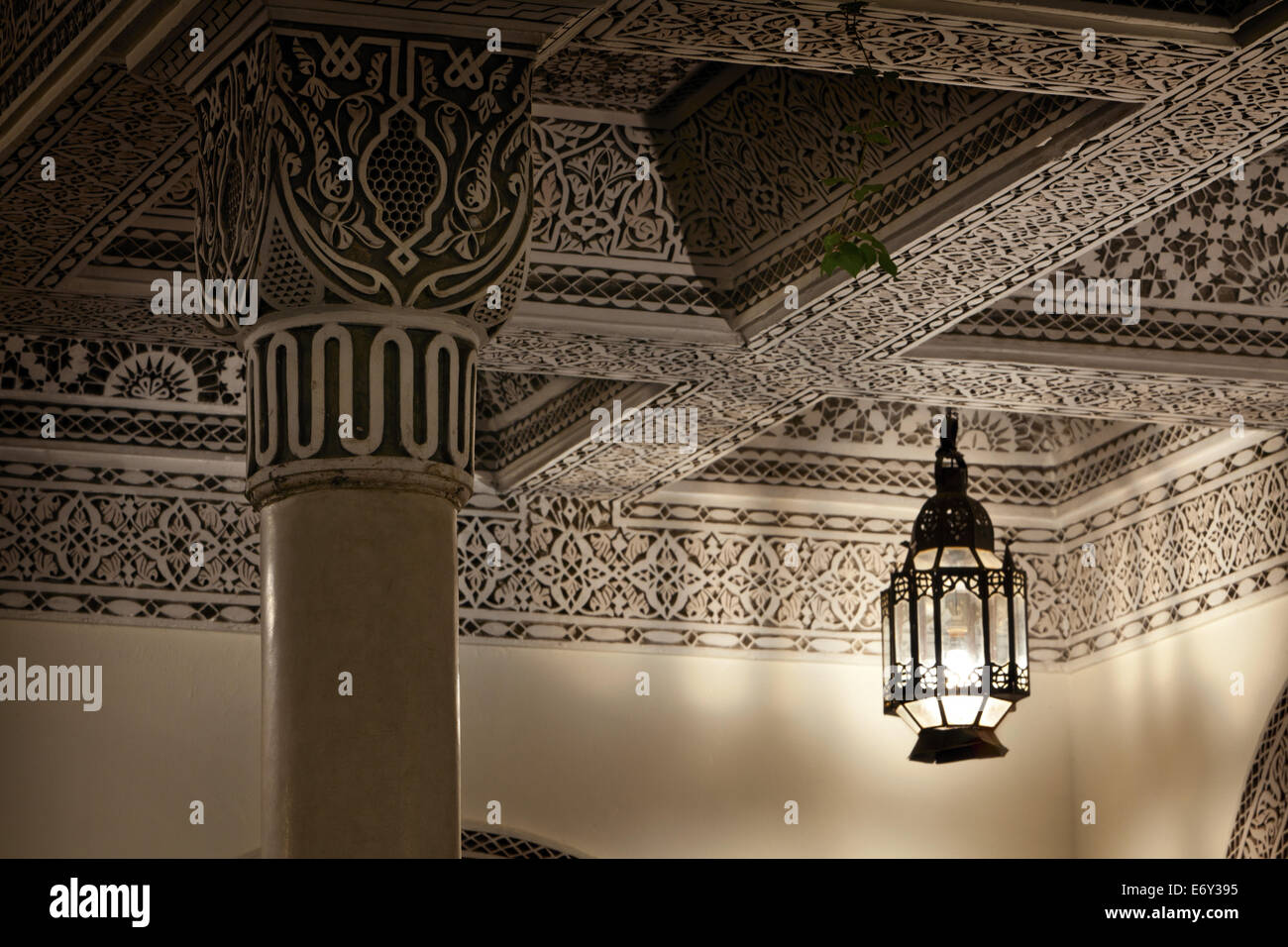 Moroccan Lamp casting light and shadows, Villa des Orangers Stock ...