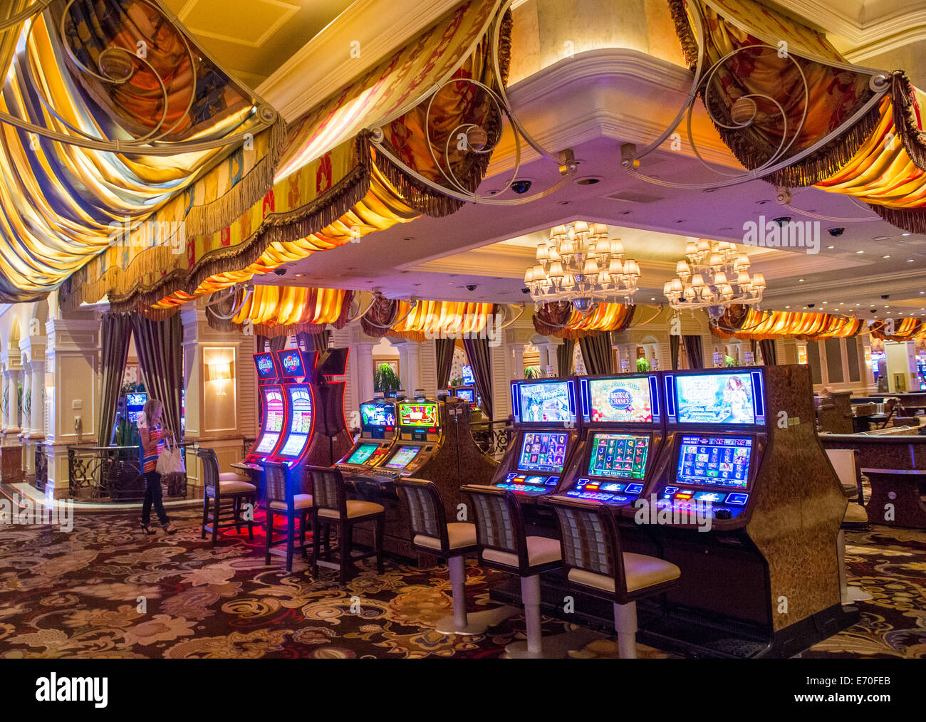 Bellagios hotel and casino swinging bells casino slot