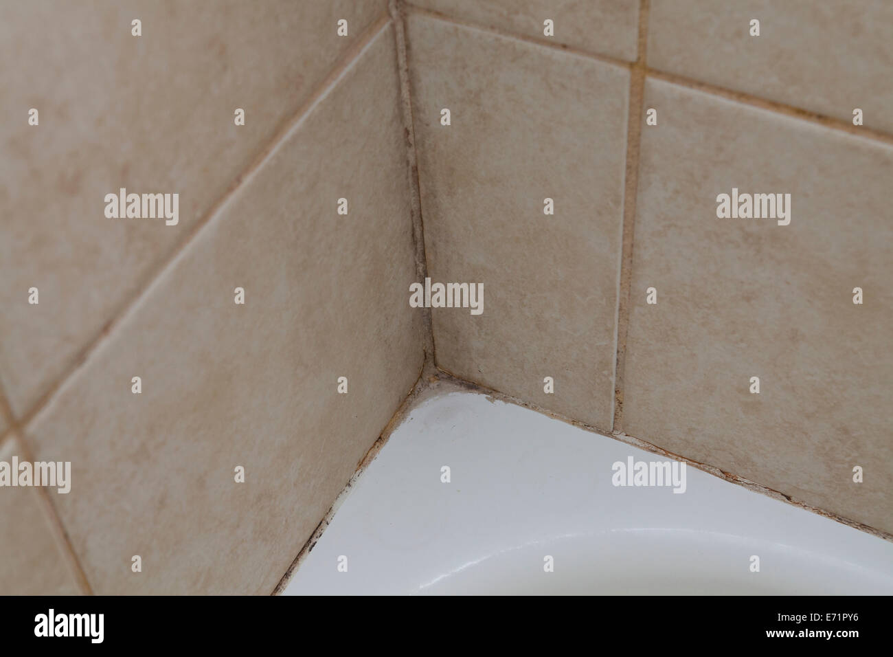 how to clean dirty grout in tiles