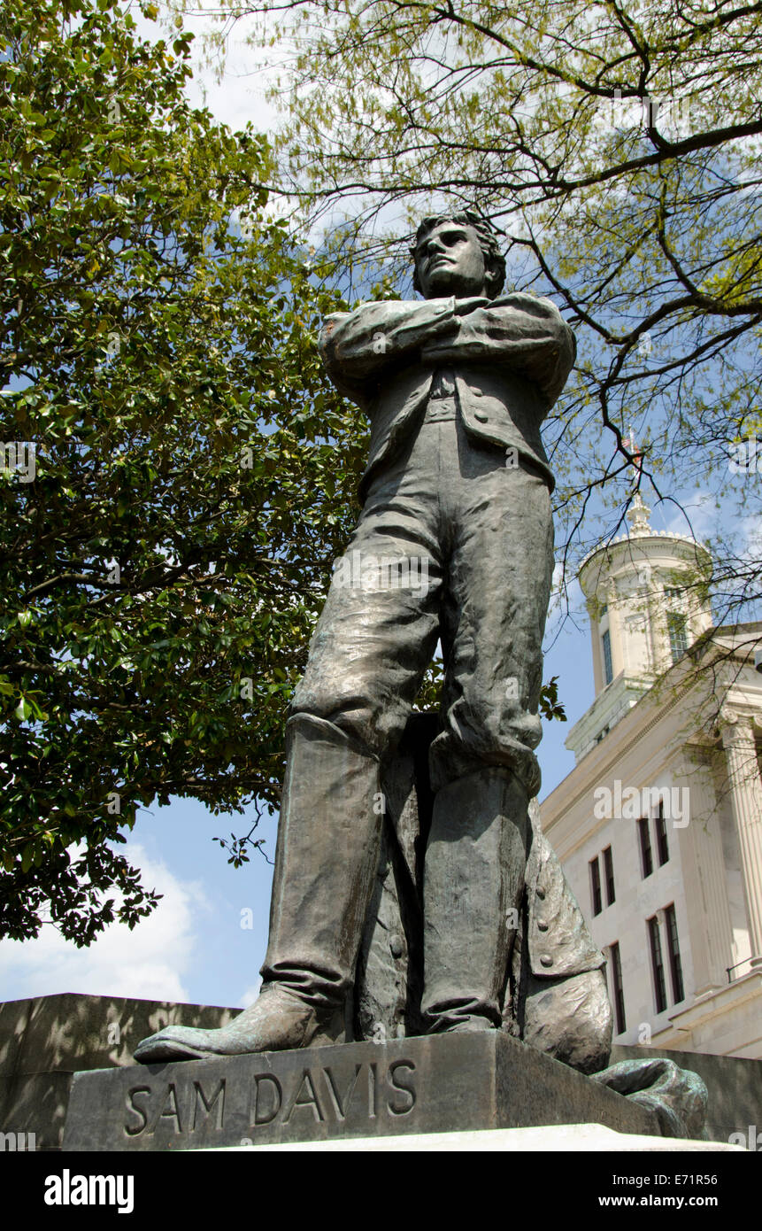 USA, Tennessee, Nashville. Historic Tennessee State Capitol ...