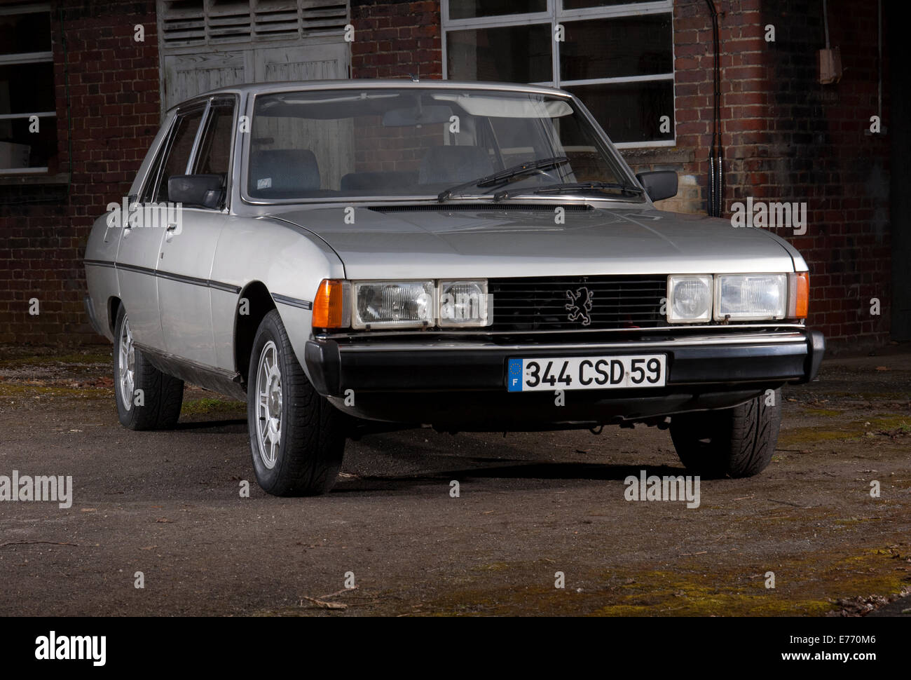 peugeot 604 french classic car early 80s model stock photo royalty free image 73298294 alamy. Black Bedroom Furniture Sets. Home Design Ideas