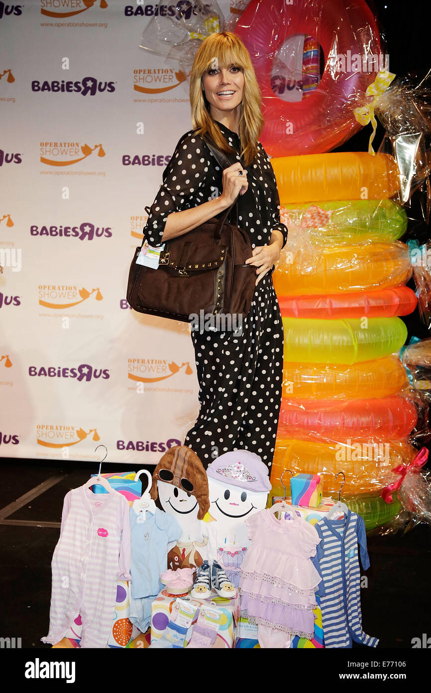 Heidi Klum U0026 Babies U0027Ru0027 Us Join Operation Shower, An Organization That Hosts  Baby Showers For Military Moms To Be, To Celebrate Soldiersu0027 Wives Who Are  ...