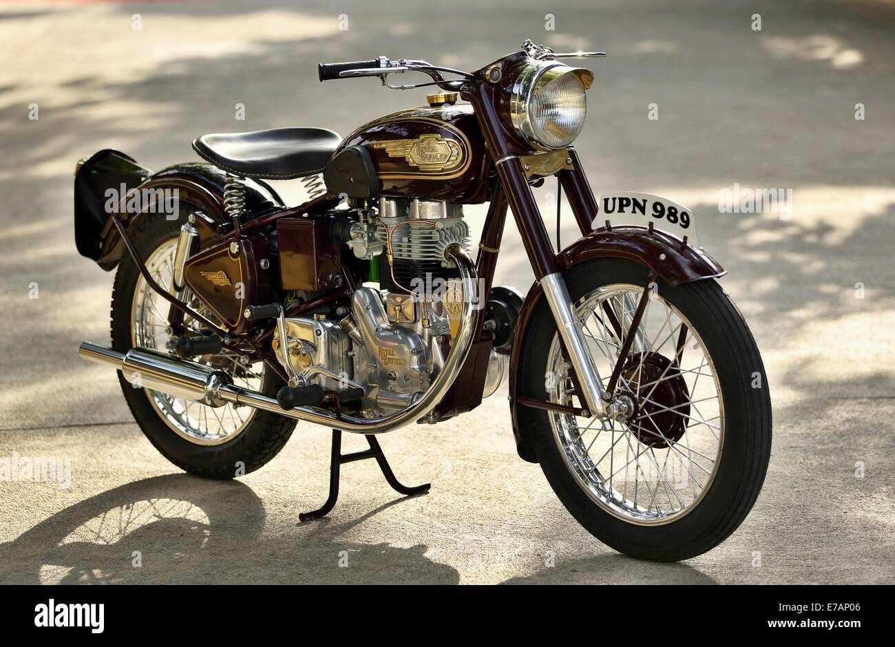 Royal enfield bullet pictures - Royal Enfield Bullet 350 Cc G2 1954 Made In England In India