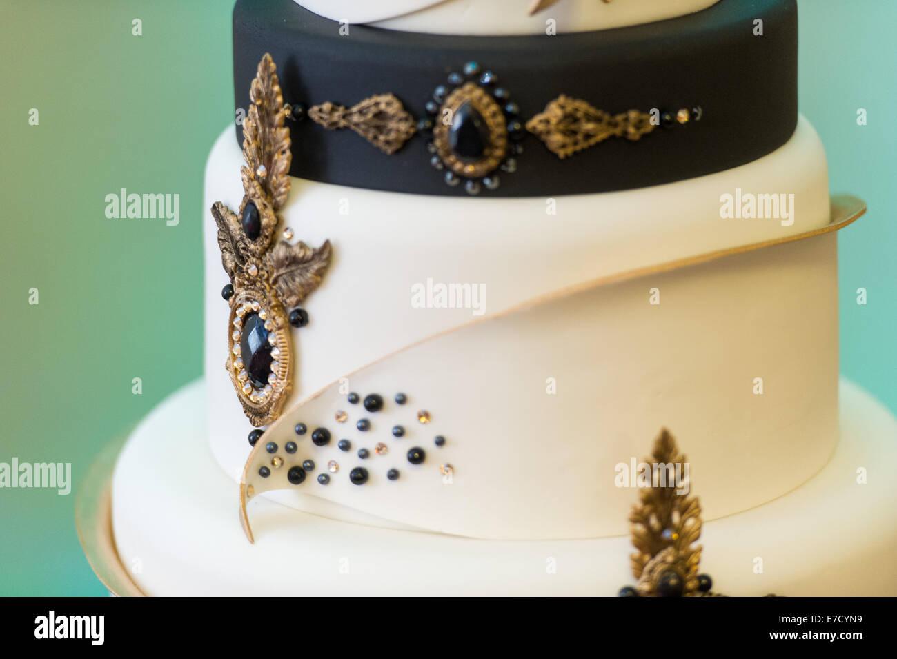 Detail of an ornate luxury cake design Stock Photo ...
