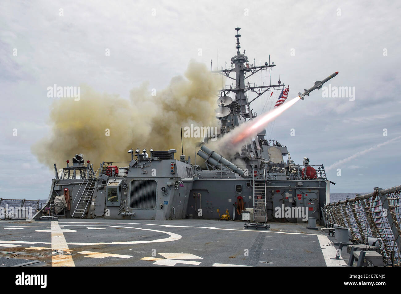 a-harpoon-anti-ship-missile-is-launched-from-the-arleigh-burke-guided-E7ENJ5.jpg
