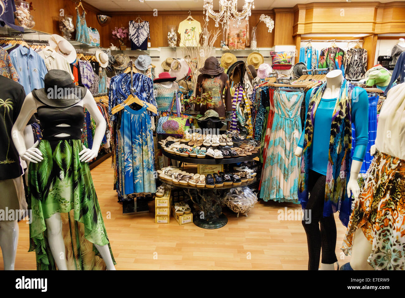 Clothing stores in hawaii