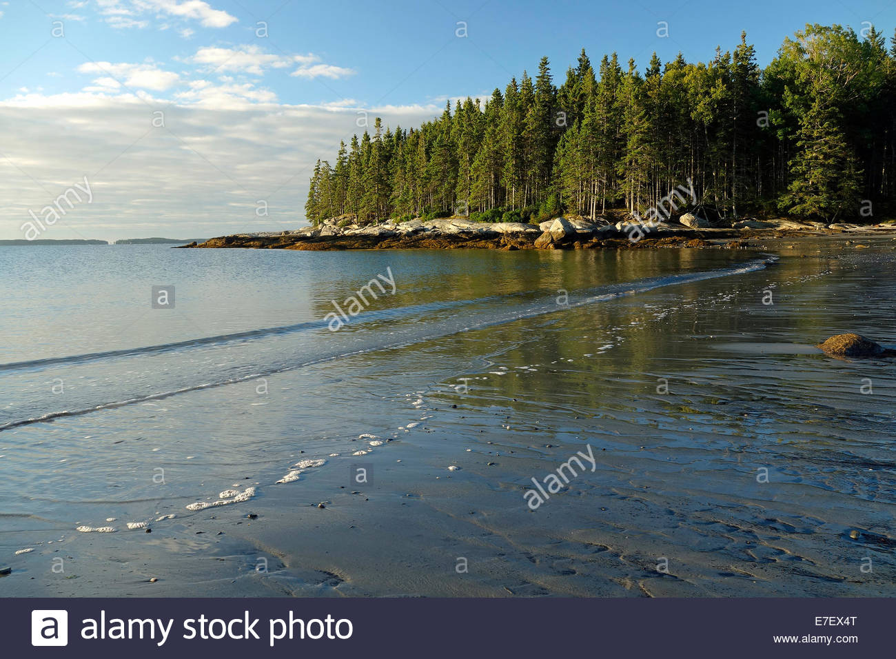 Morning_view_of_Birch_Point_Beach_State_