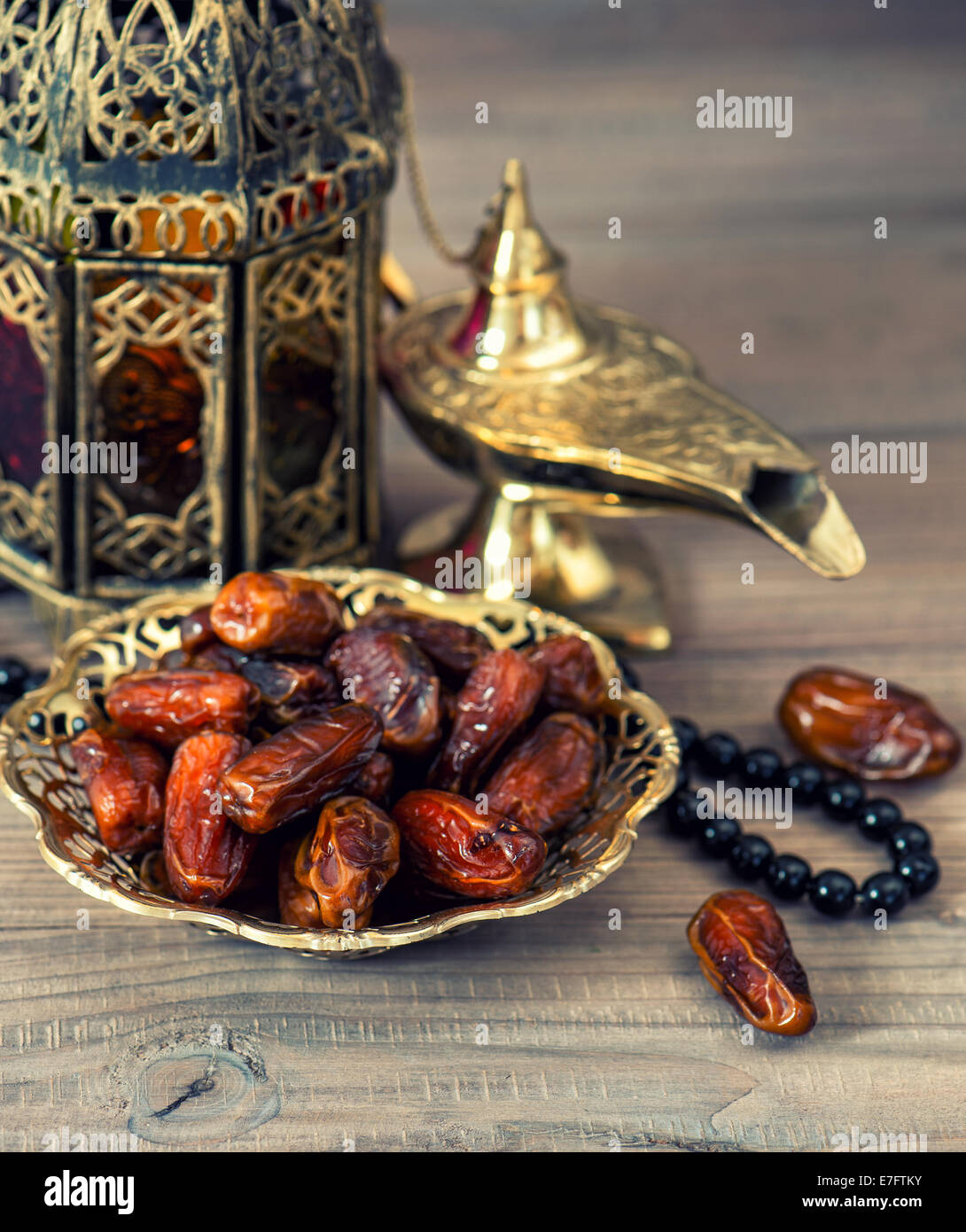 Traditional arabic lamp, latern, dates and rosary. Islamic ... for Traditional Arabic Lamp  111bof