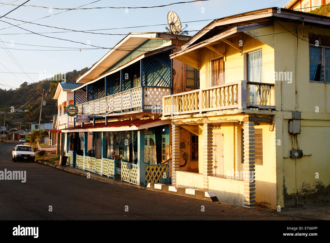 Traditional houses windward road speyside tobago for Trini homes