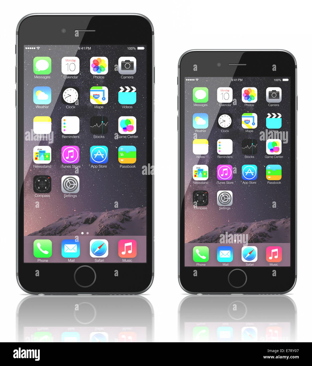 apple space gray iphone 6 plus and iphone 6 showing the home screen stock photo royalty free. Black Bedroom Furniture Sets. Home Design Ideas
