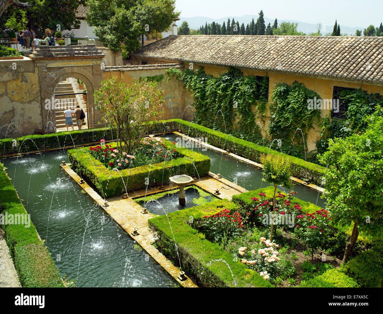 The jardin de la sultana in generalife stock photo for Jardines generalife