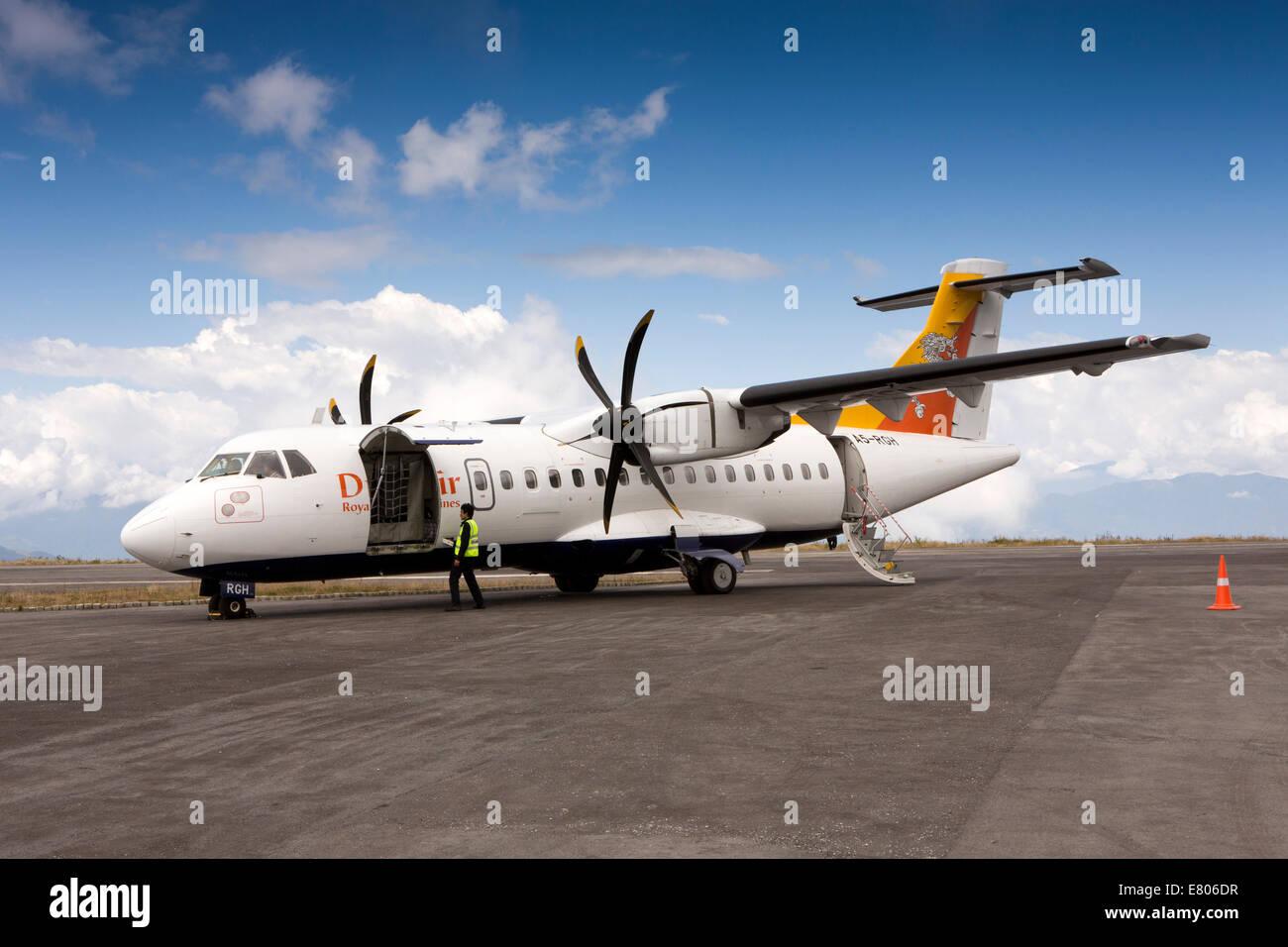 Blue apron engineering - Eastern Bhutan Yongphula Airport Druk Air Atr 42 500 Aircraft On Apron At