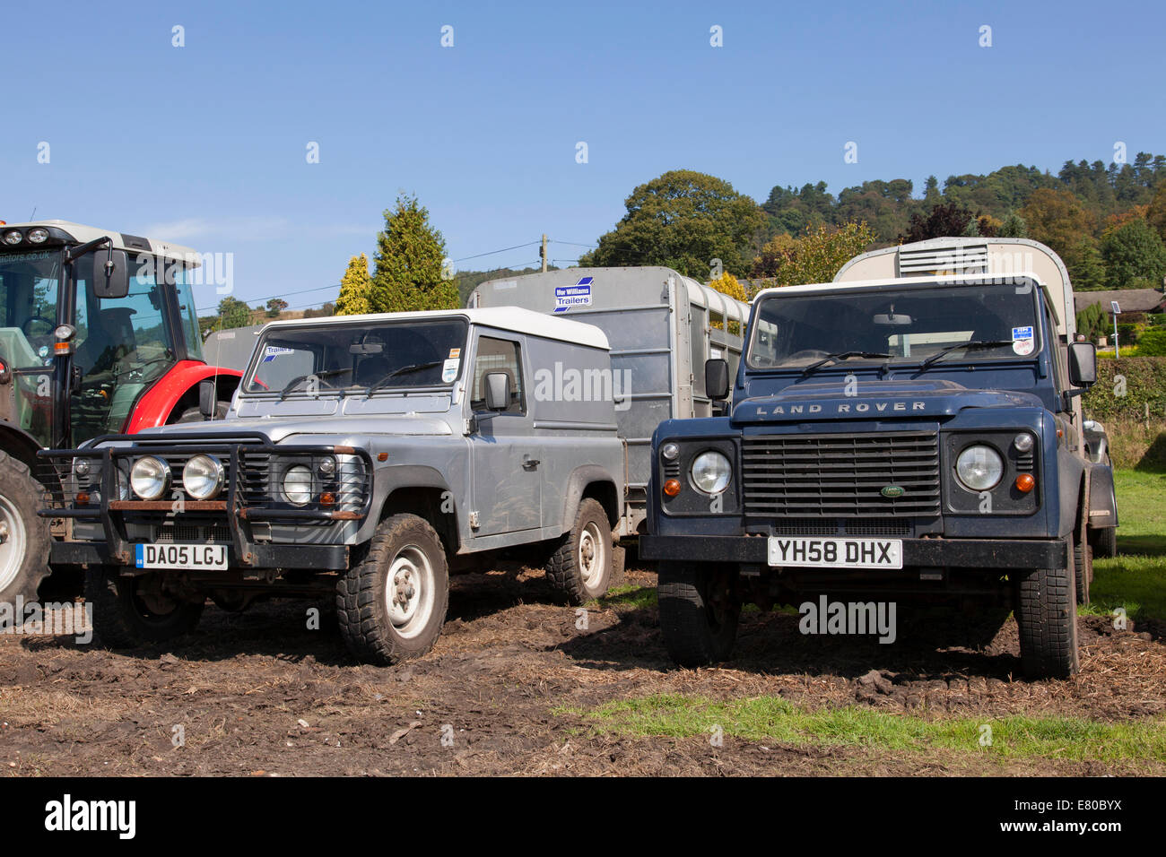 land rover defender 4x4 farm vehicles in the u k stock photo royalty free image 73768126 alamy. Black Bedroom Furniture Sets. Home Design Ideas