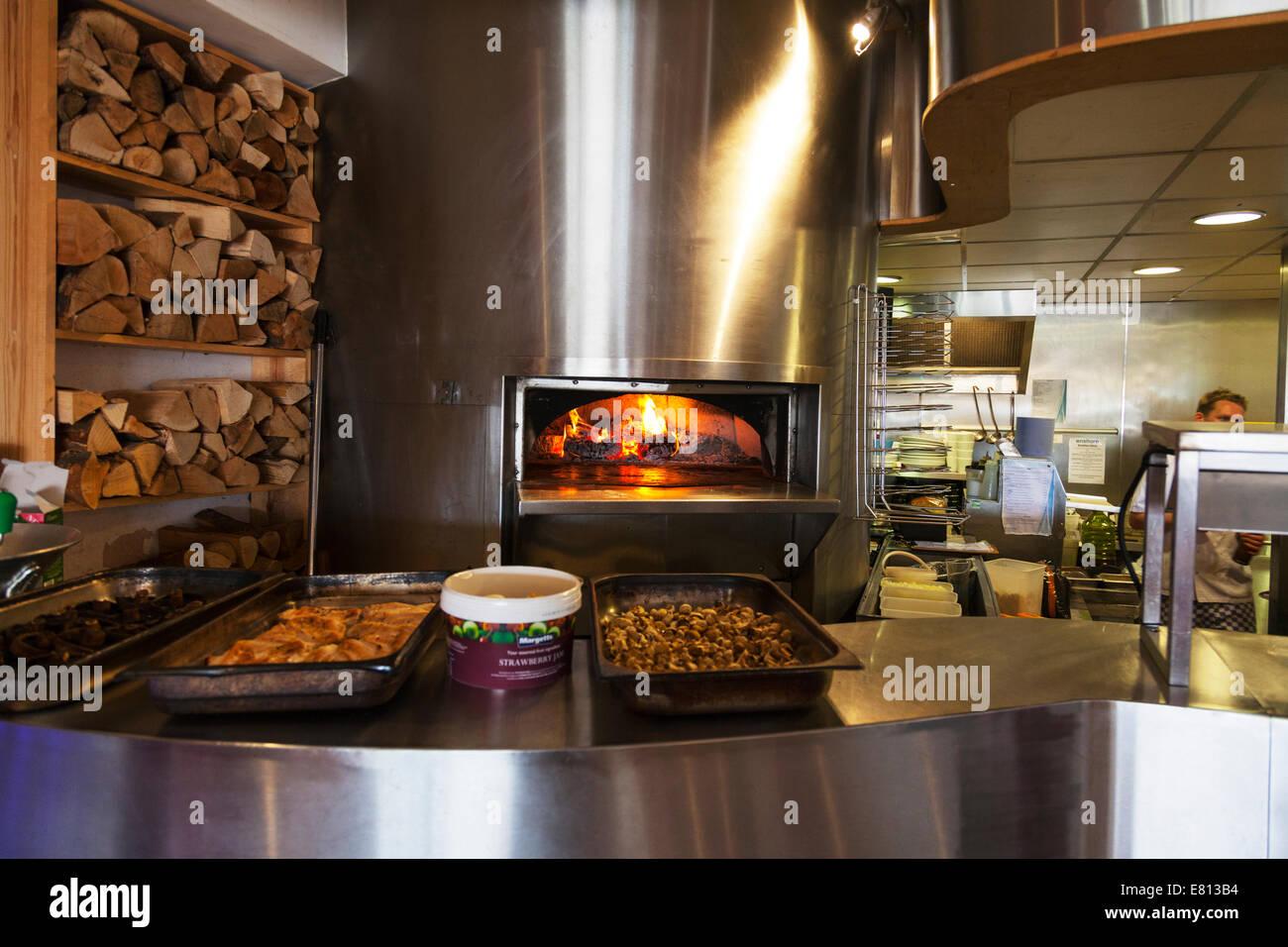 Restaurant Kitchen Oven pizza oven chrome huge flame cooker kitchen restaurant cooking