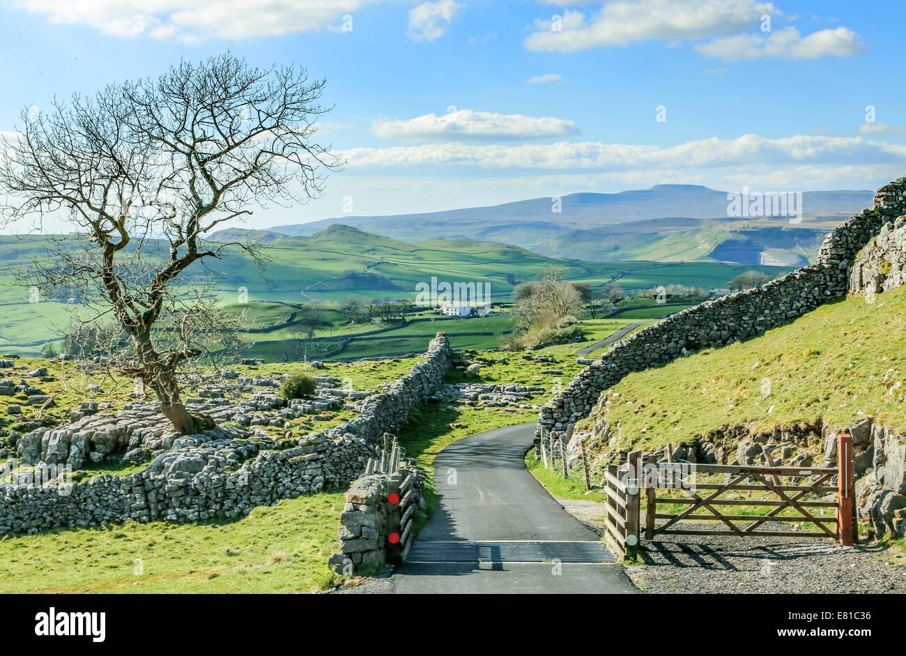 beautiful yorkshire dales landscape stunning scenery