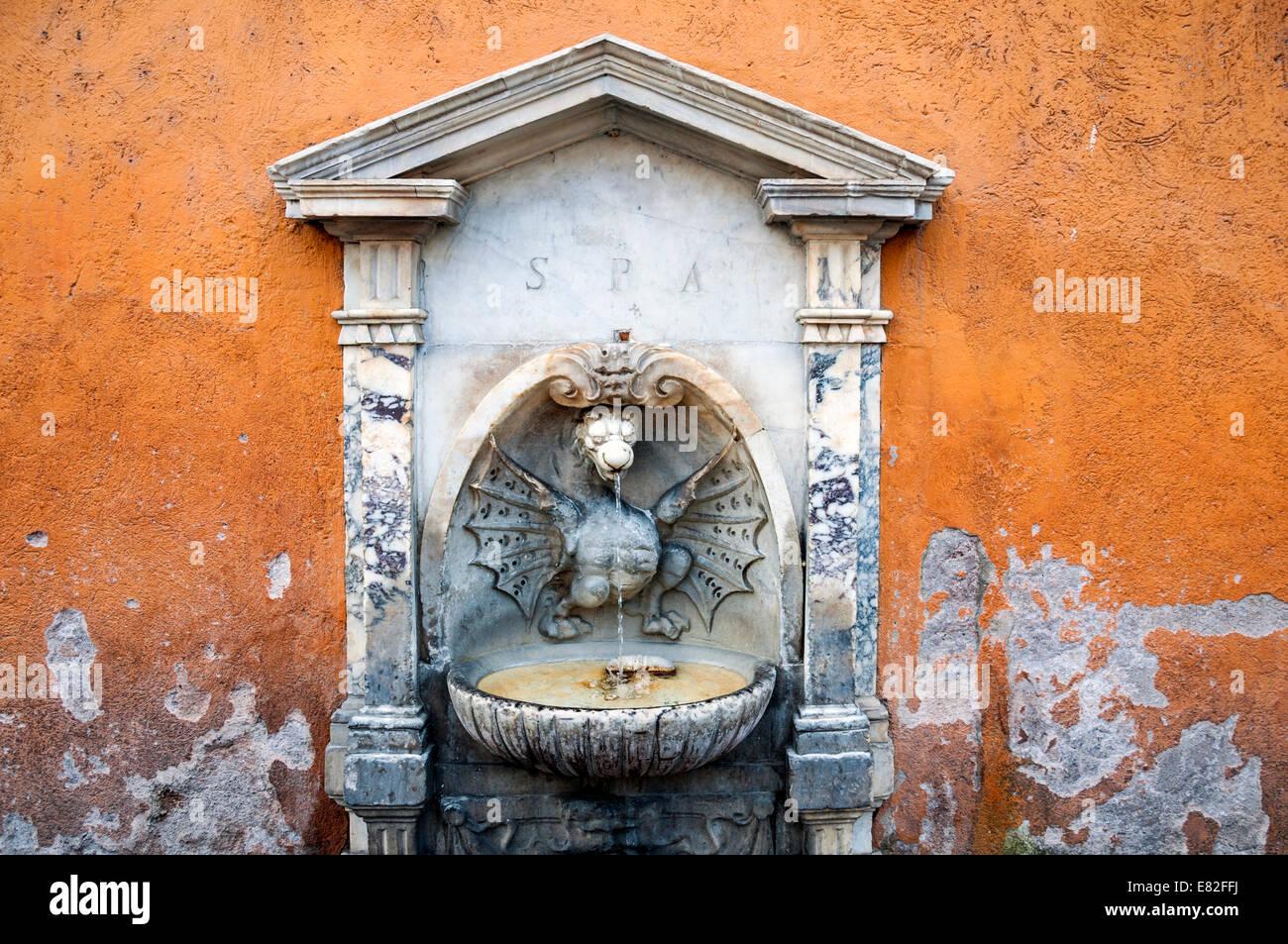 Ornate_water_fountain_on_Via_della_Conci