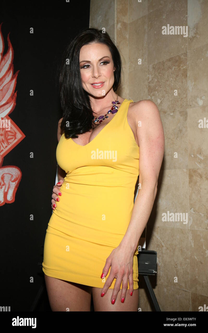 Kendra lust at headquarters gentlemen s sports lounge ny featuring