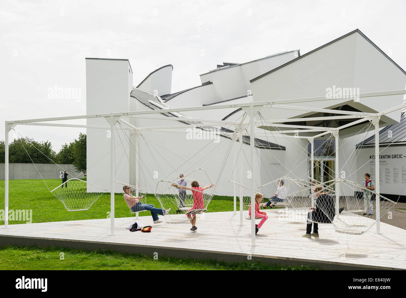 Architect Company vitra design museum,architect frank o. gehry, architecture