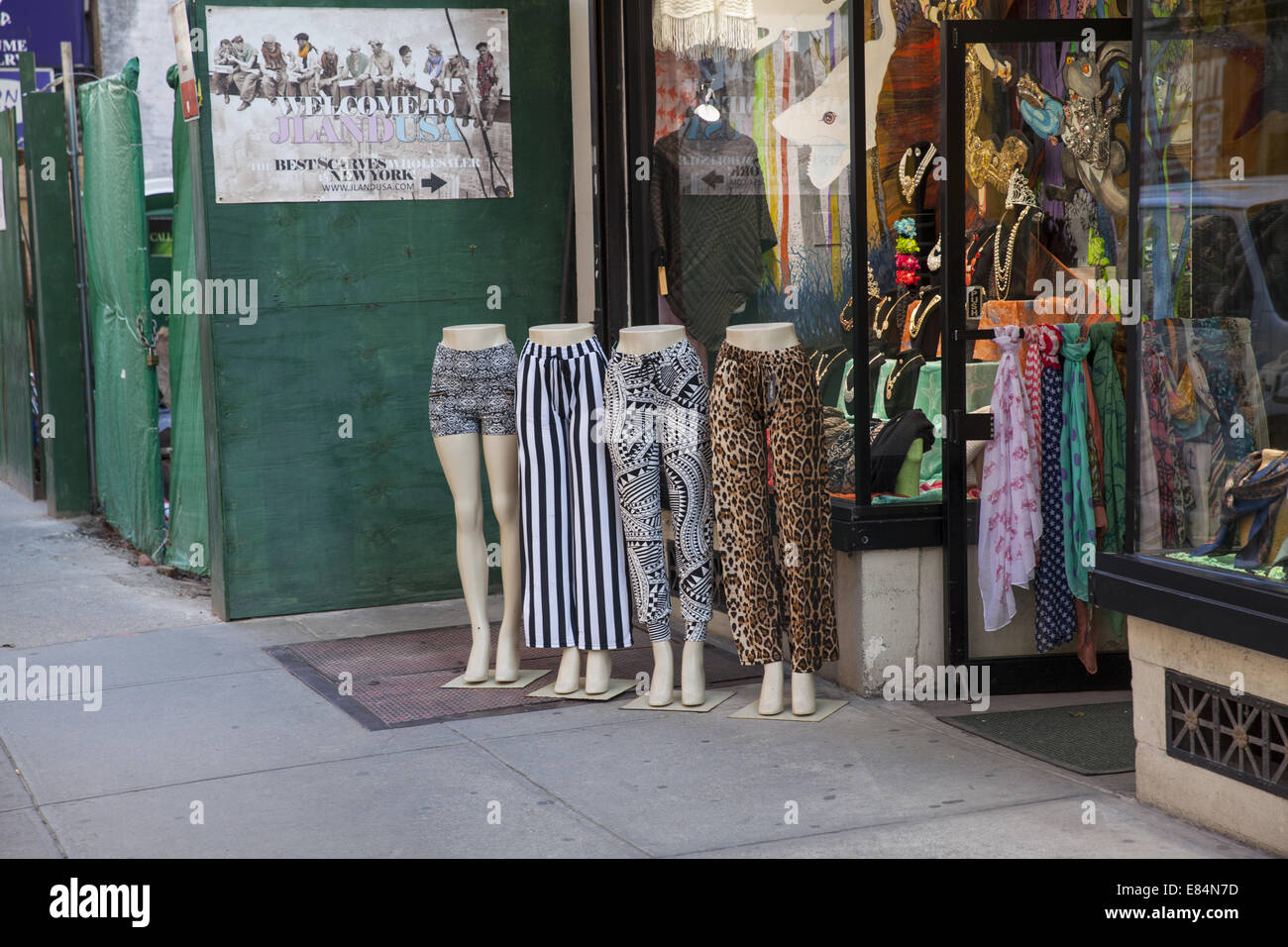 Women's Clothing & Accessories On Broadway In Manhattan, Wholesale ...
