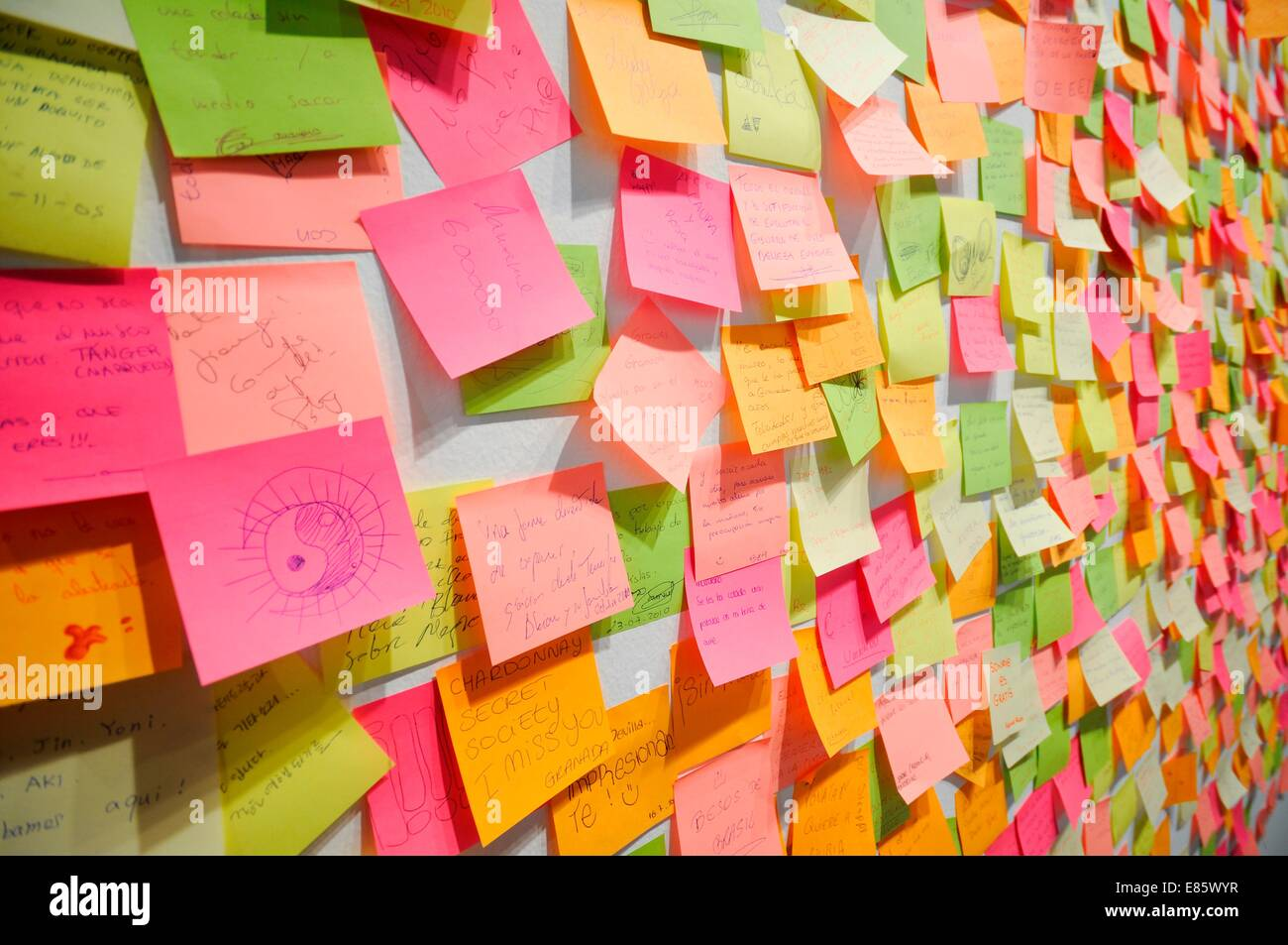 Post It Notes Wall Www Imgkid Com The Image Kid Has It
