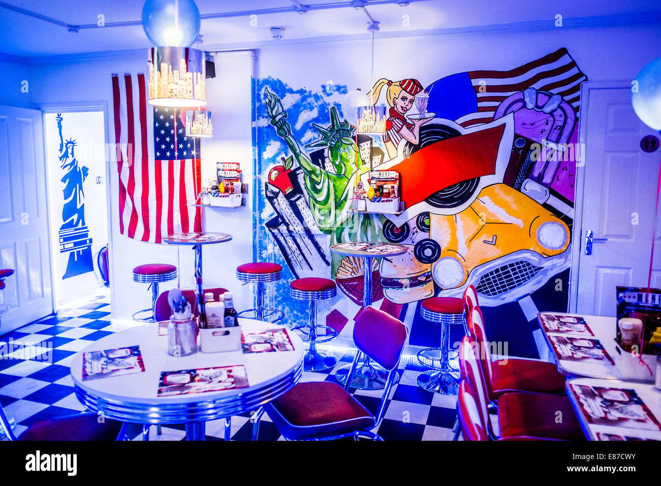interior painted walls of aberyankee american diner. Black Bedroom Furniture Sets. Home Design Ideas