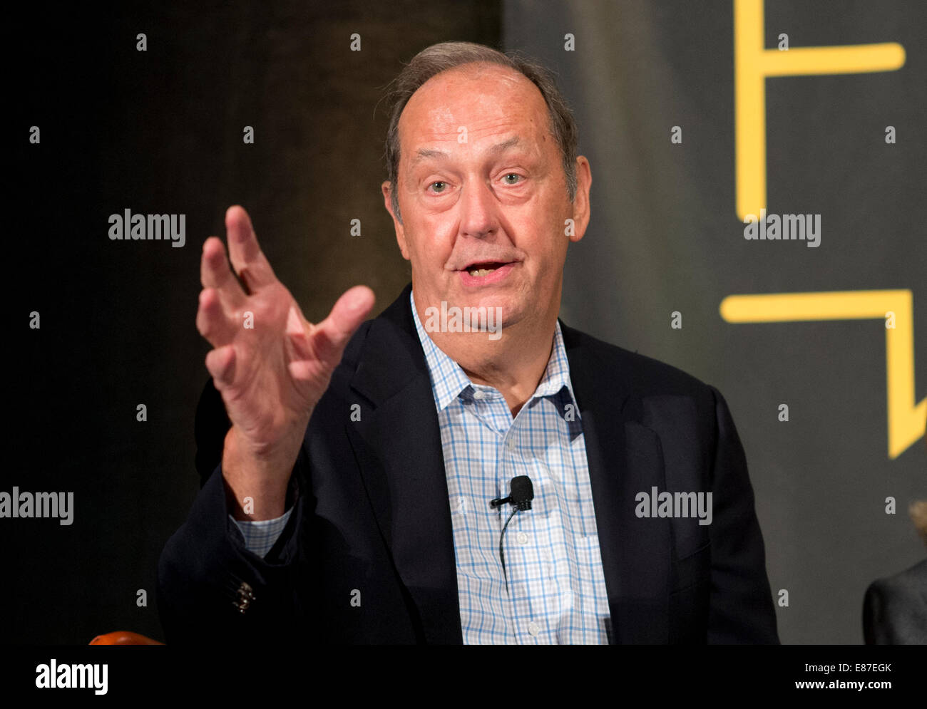 Former U S Sen Bill Bradley D New Jersey NBA Hall of Famer and