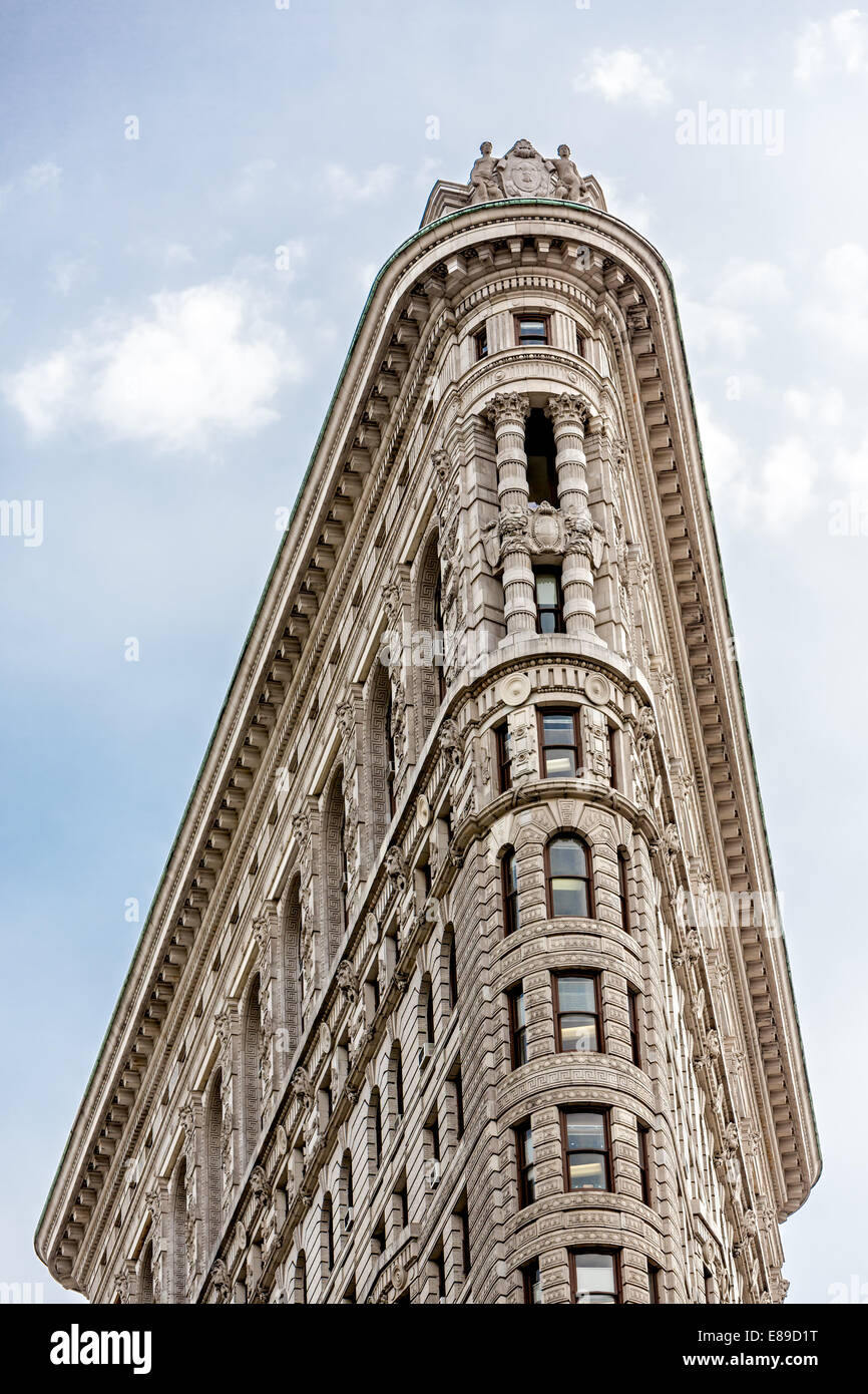 A view to the top of the iconic landmark of the flatiron for Iconic new york landmarks