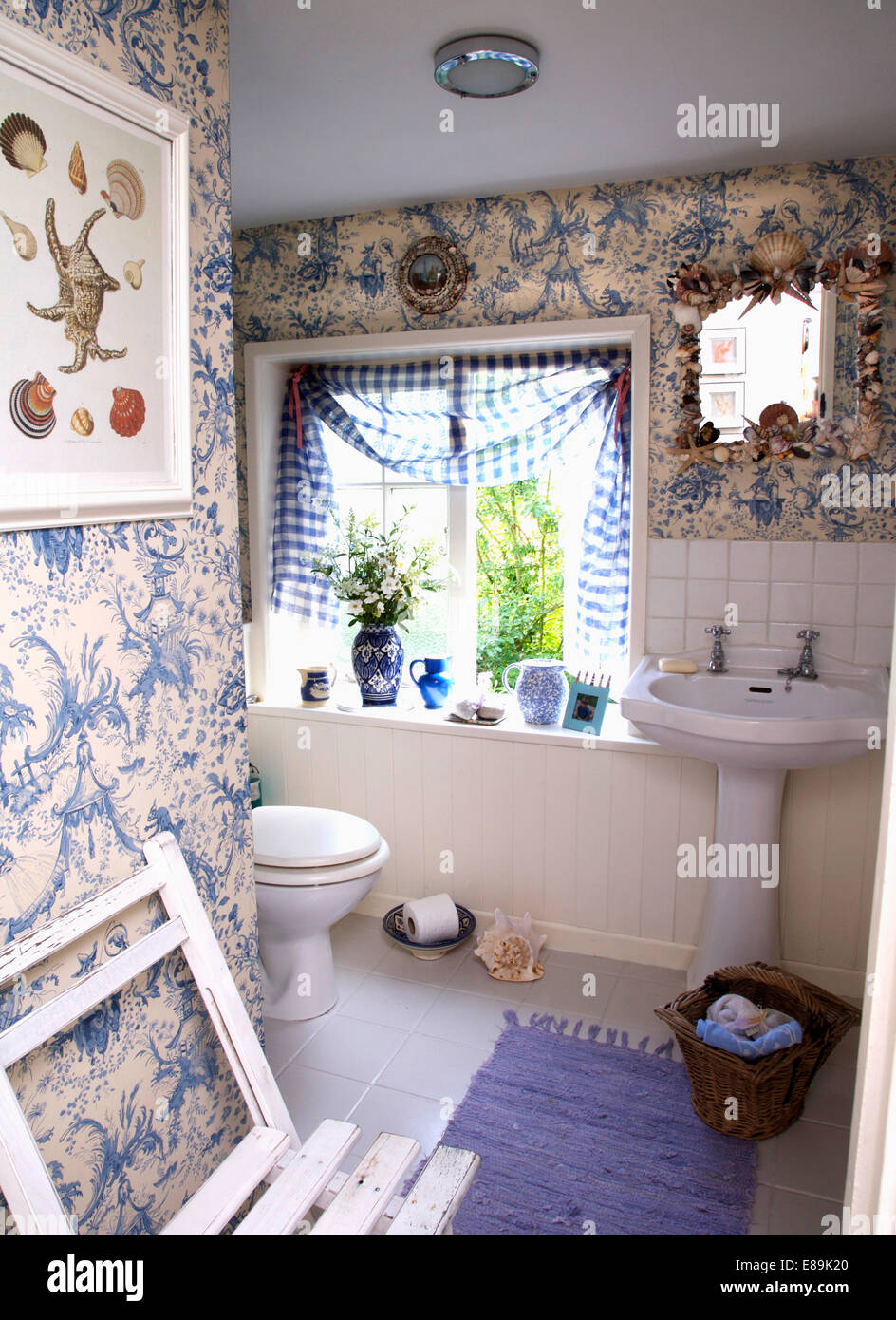 Blue Amp White Toile De Jouy Quot Wallpaper In Small Cottage