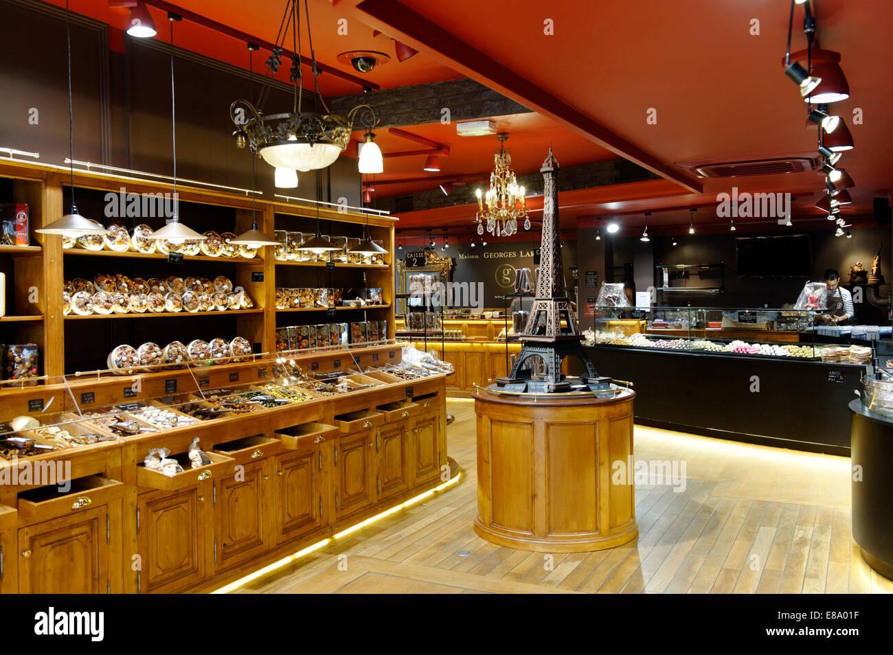 Chocolate Shop Stock Photos & Chocolate Shop Stock Images - Alamy