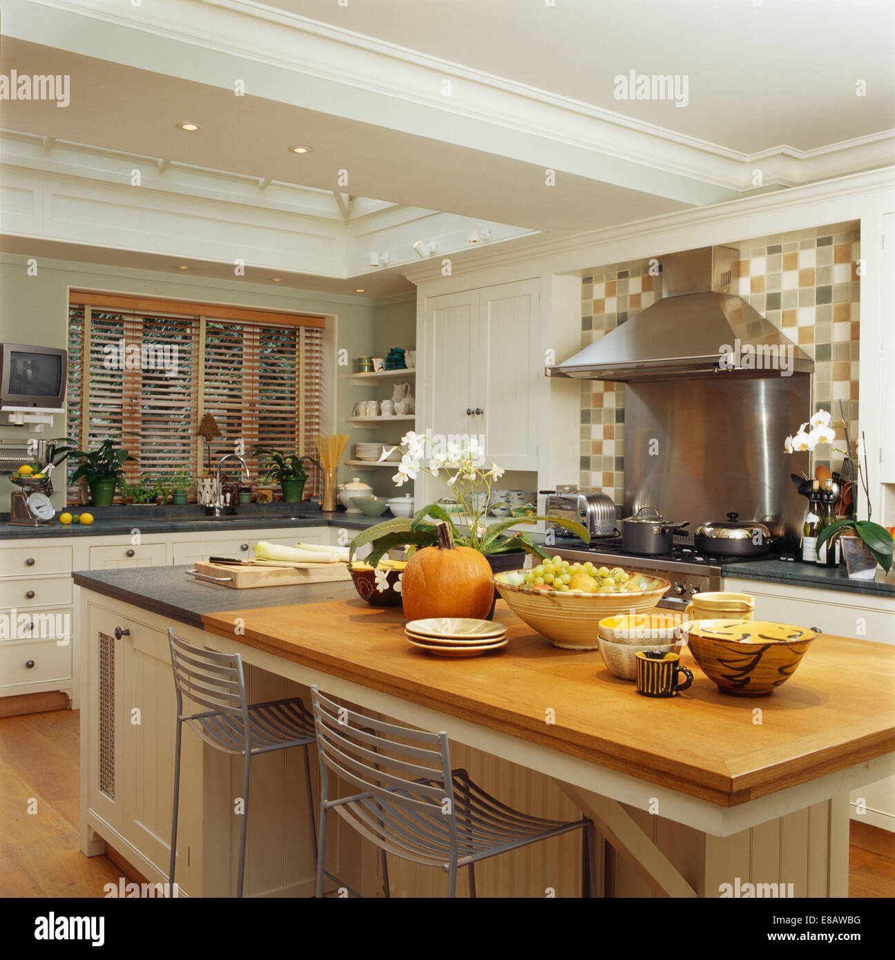 Bowls Of Fruit On Large Island Unit With Breakfast Bar In. Kitchen Garden Volunteer. Kitchen Room Design Pictures. Kitchen Hood Light Replacement. Kitchen Granite Shelves. Design Kitchen Ikea Uk. Kitchen Sink Meaning. Small Kitchen Island With Seating. Brown Sugar Kitchen New Bbq