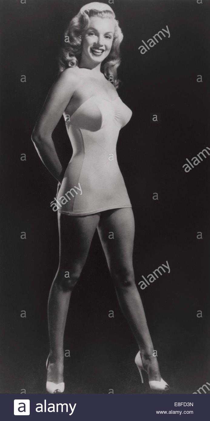 Marilyn Monroe, Swimsuit Pin-Up. Artist: Willinger, Laszlo Stock ...