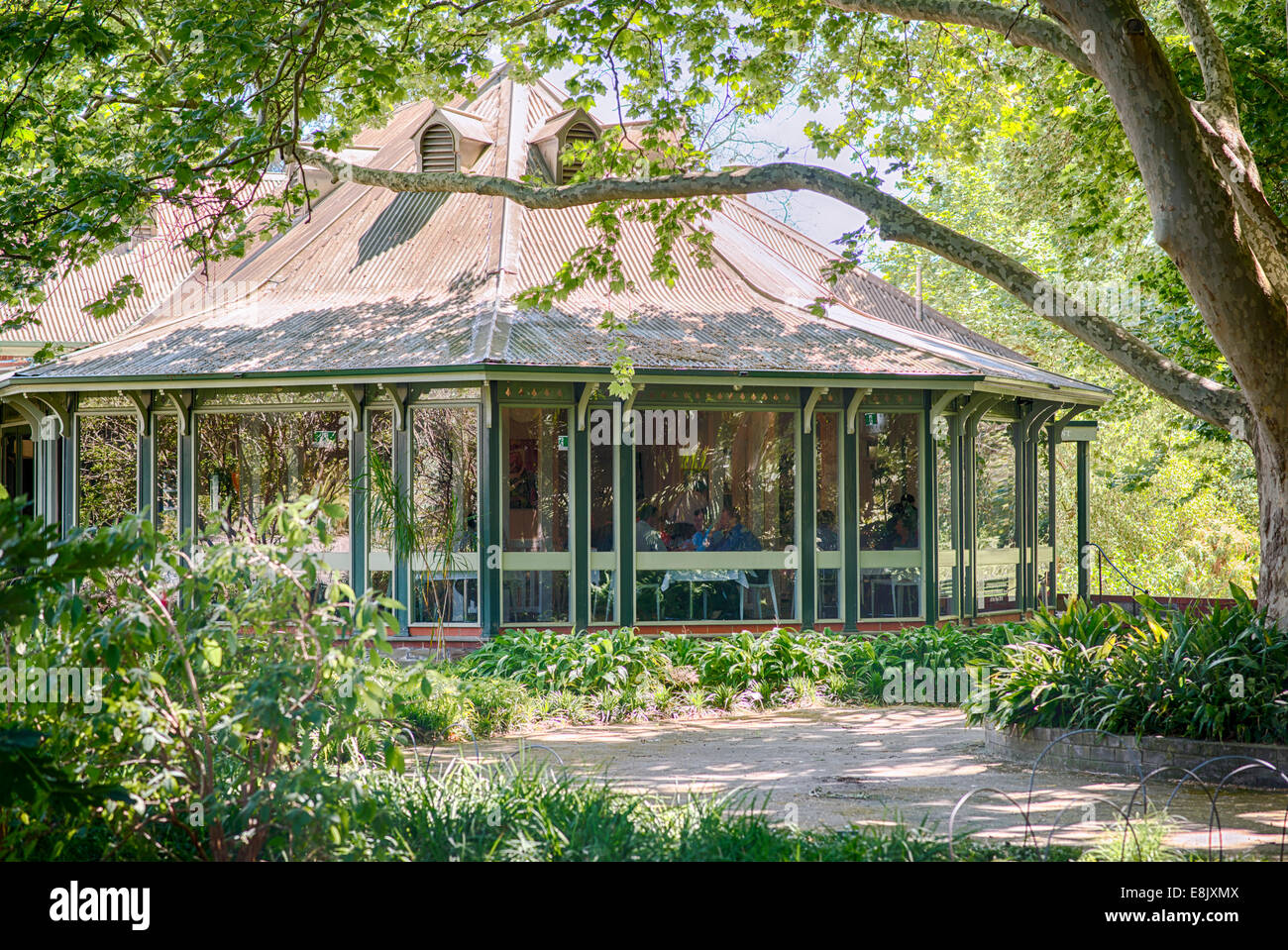 The adelaide botanic gardens restaurant and caf south for Adelaide gardens
