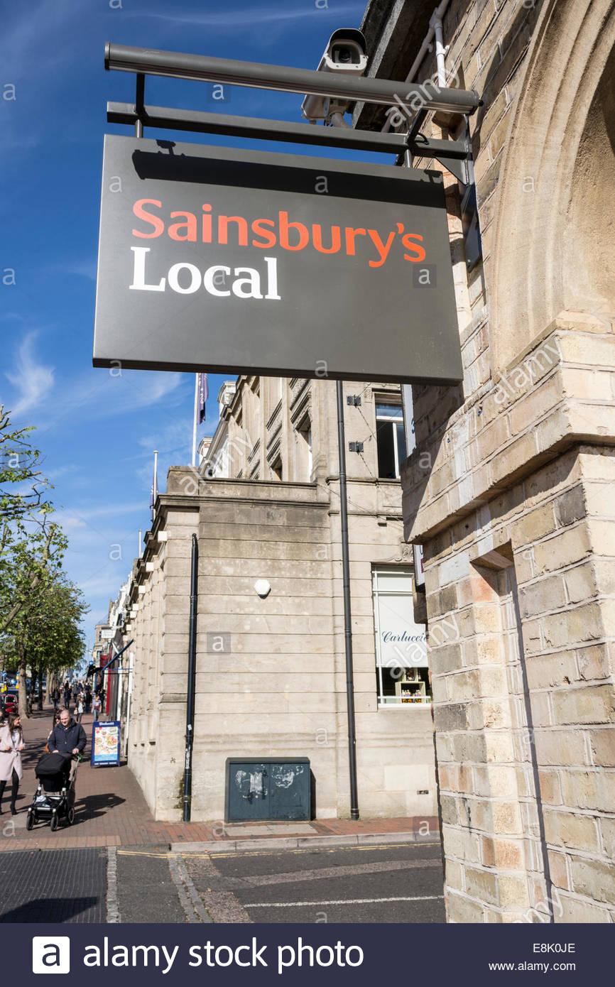 White apron sainsburys - Sainsbury S Local Mount Pleasant In Tunbridge Wells Kent Uk Stock Image